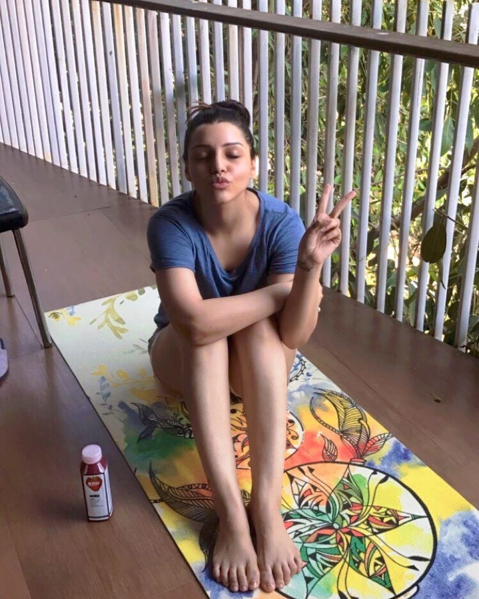 Watch Laura Solari video