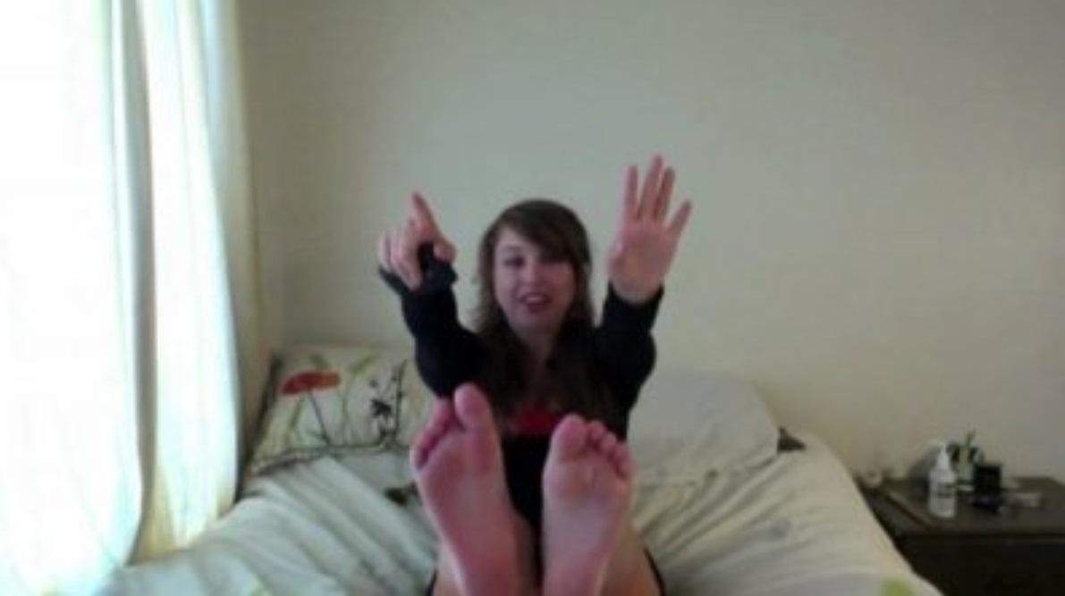 Laci Greens Feet-3223