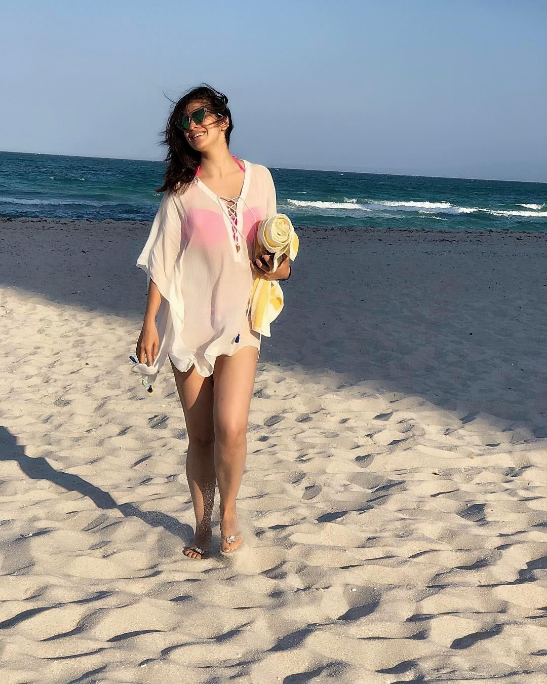 Feet Hanna Rai nude (19 photos), Tits, Is a cute, Selfie, braless 2015