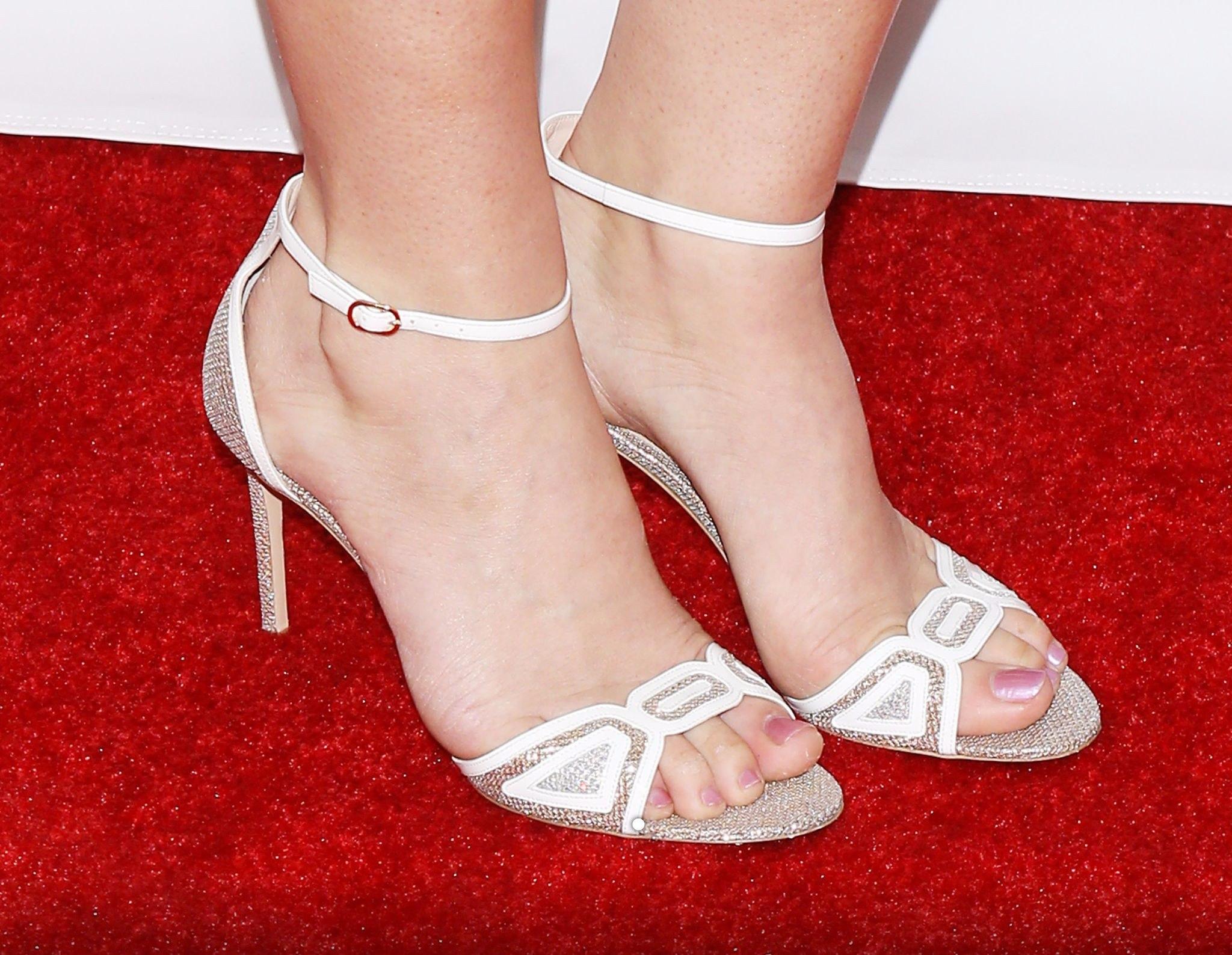Nice and perfect feet footjob 9