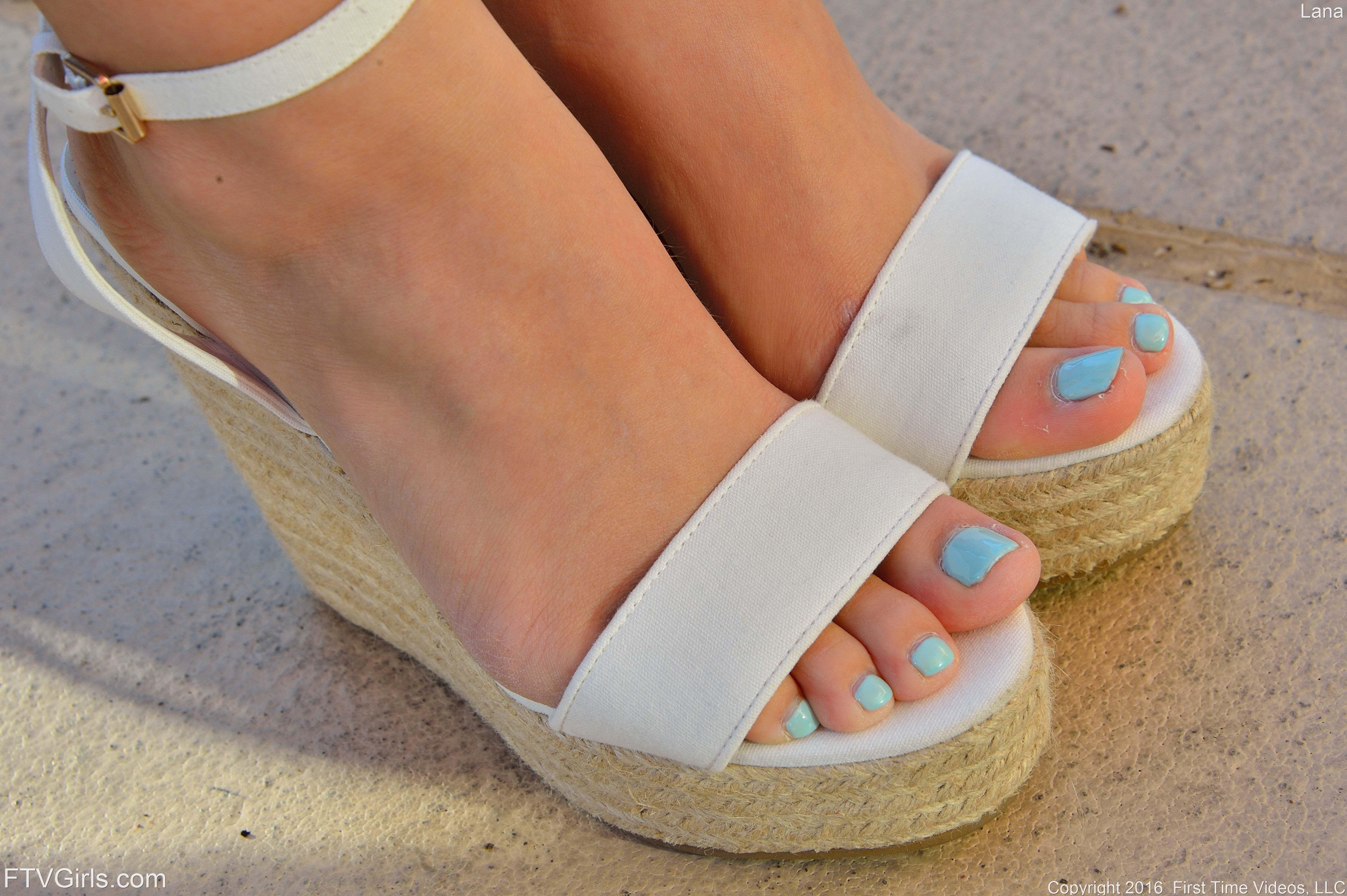 lana rhoades feet