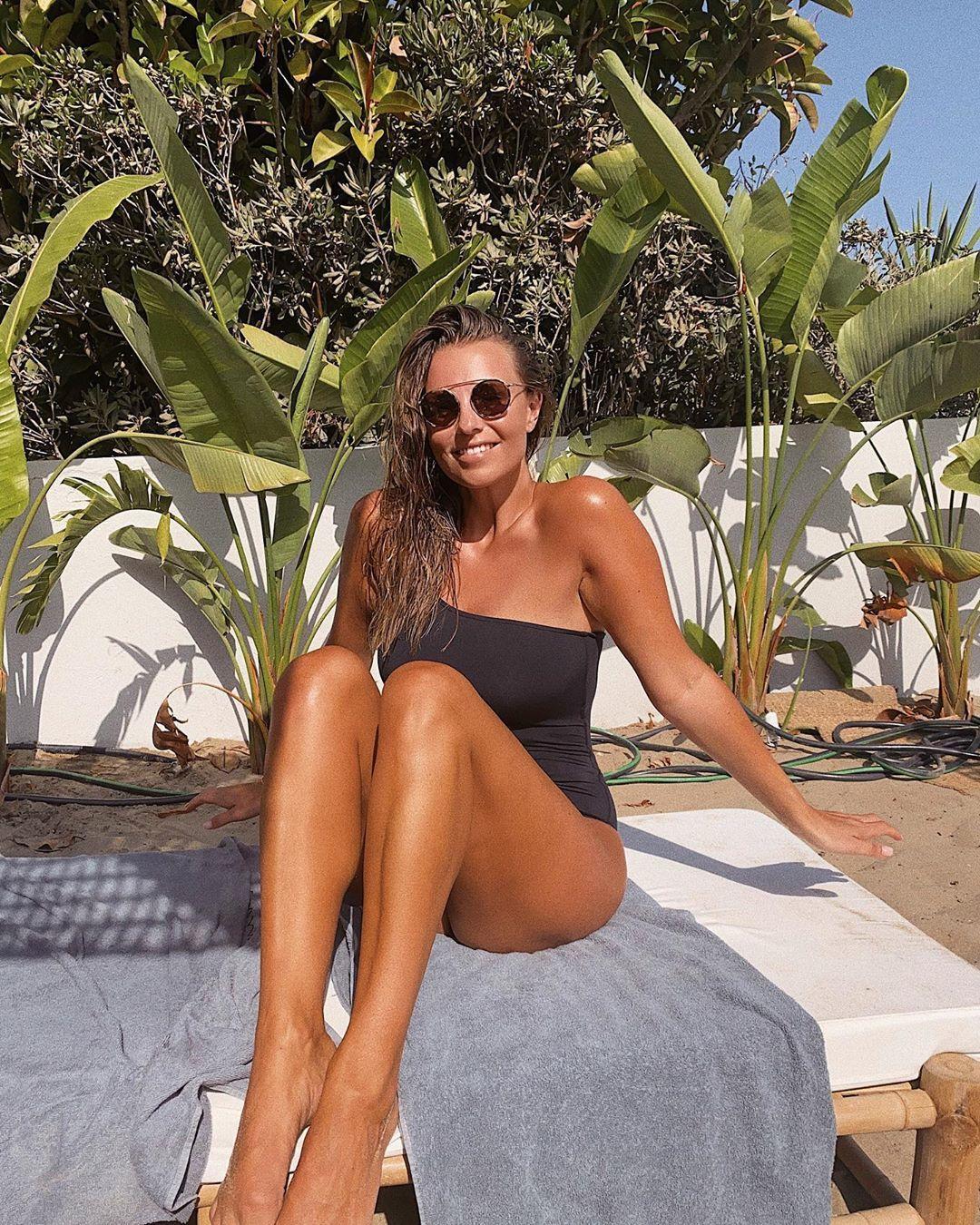 Laura wontorra legs
