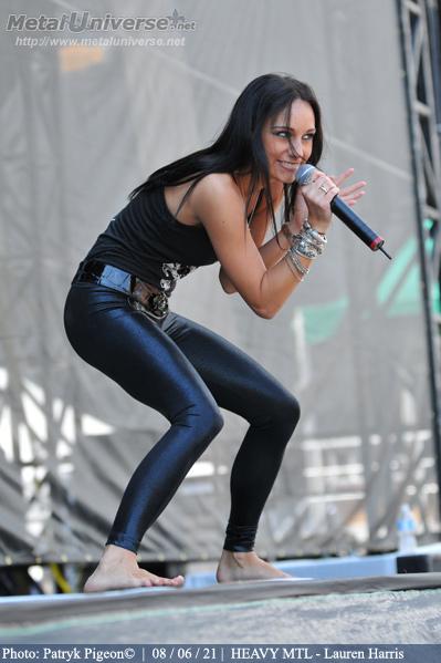 Forum Darkness Traditioneller Metal Lauren Harris