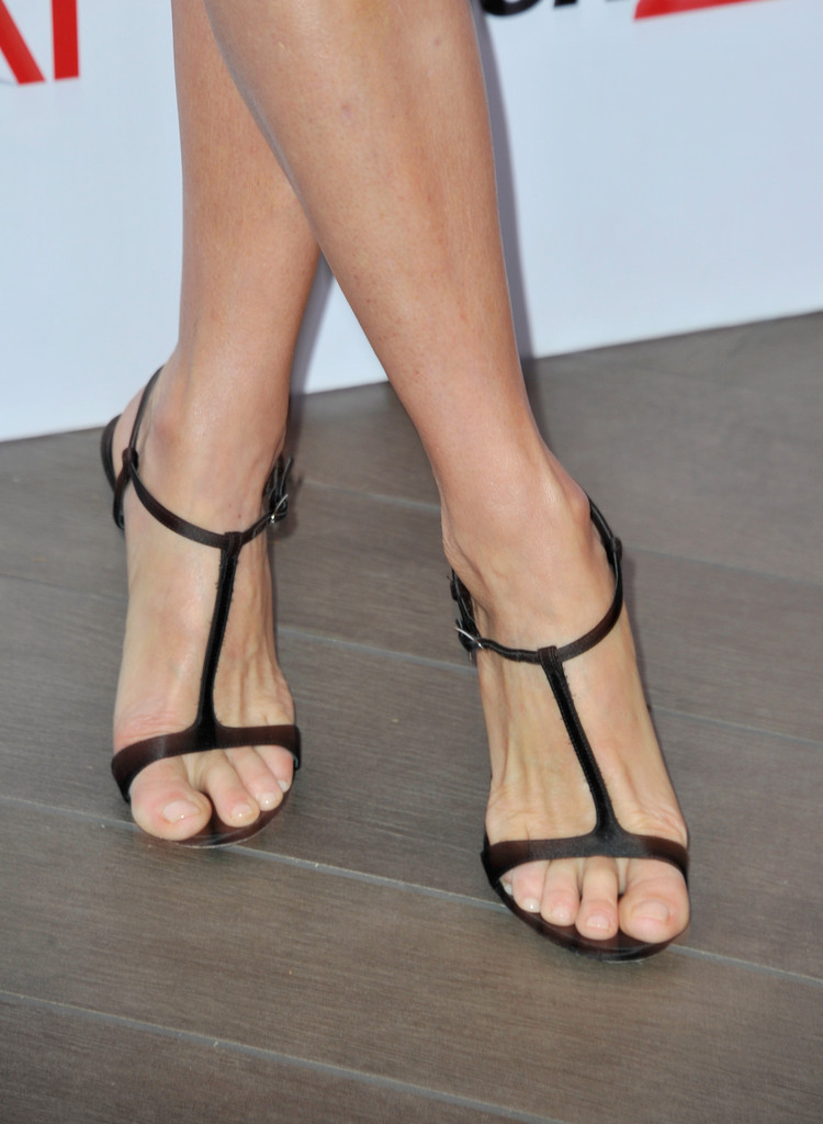 Laurie Holdens Feet