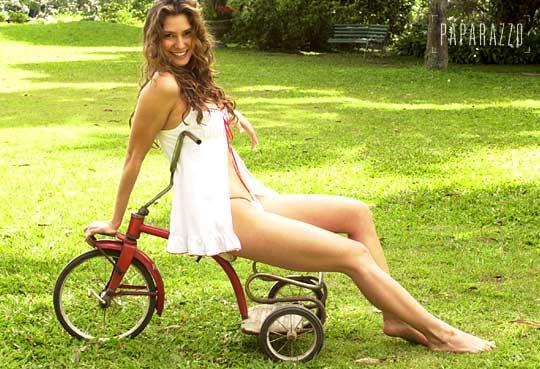 http://pics.wikifeet.com/Lav%C3%ADnia-Vlasak-Feet-298191.jpg