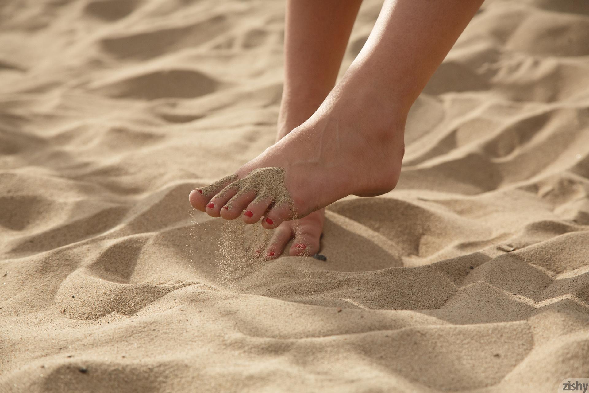Leah gotti feet