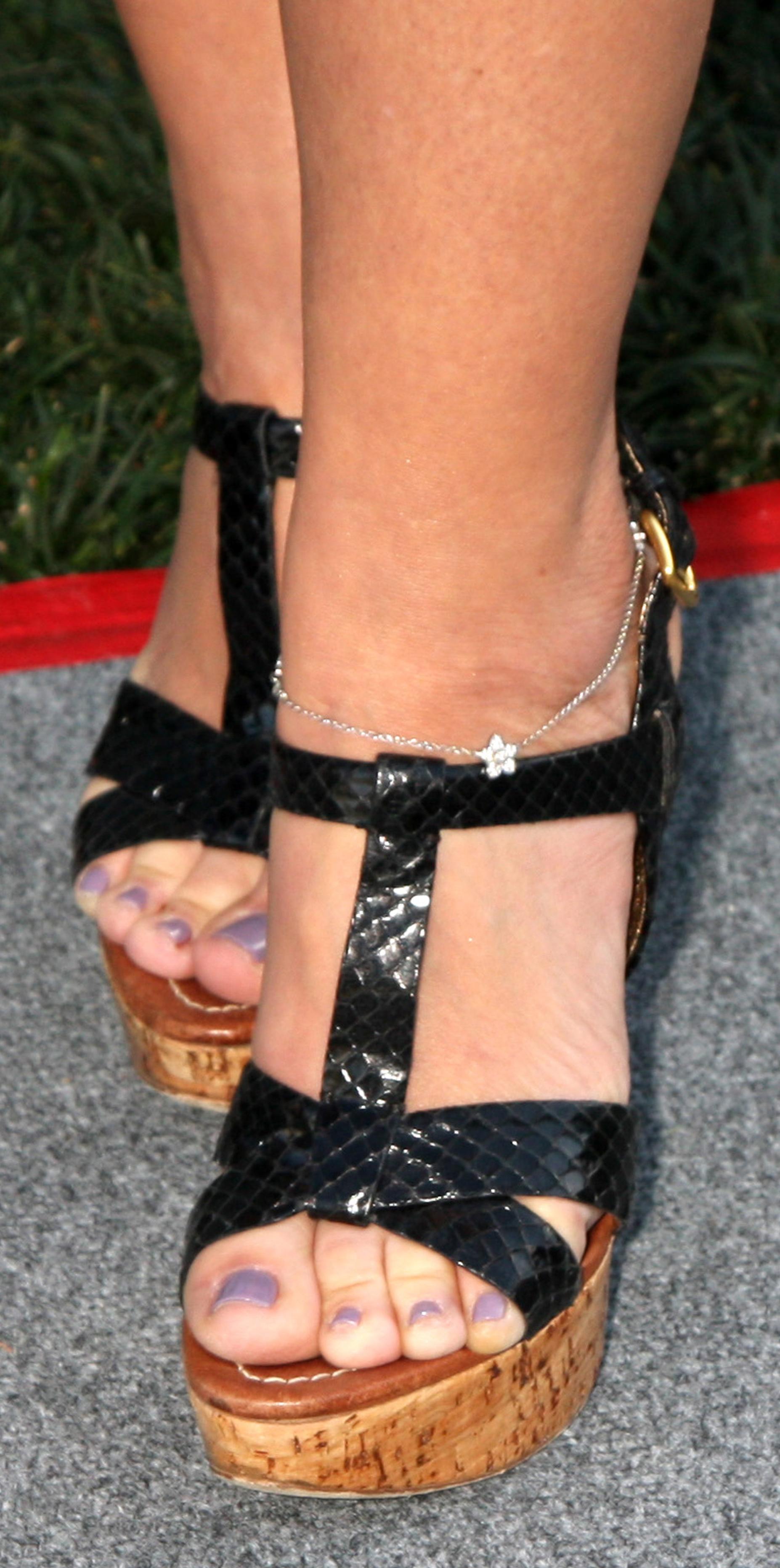 Leah Reminis Feet