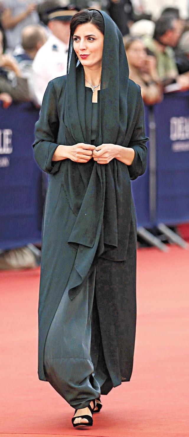 Athena Karkanis Feet Leila Hatami le...