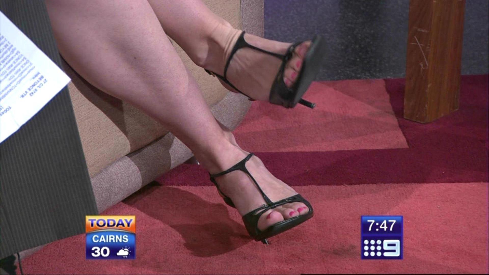 Leila mckinnon feet