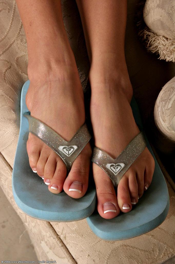 Lela Stars Feet