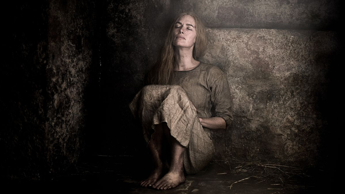 http://pics.wikifeet.com/Lena-Headey-Feet-1723143.jpg