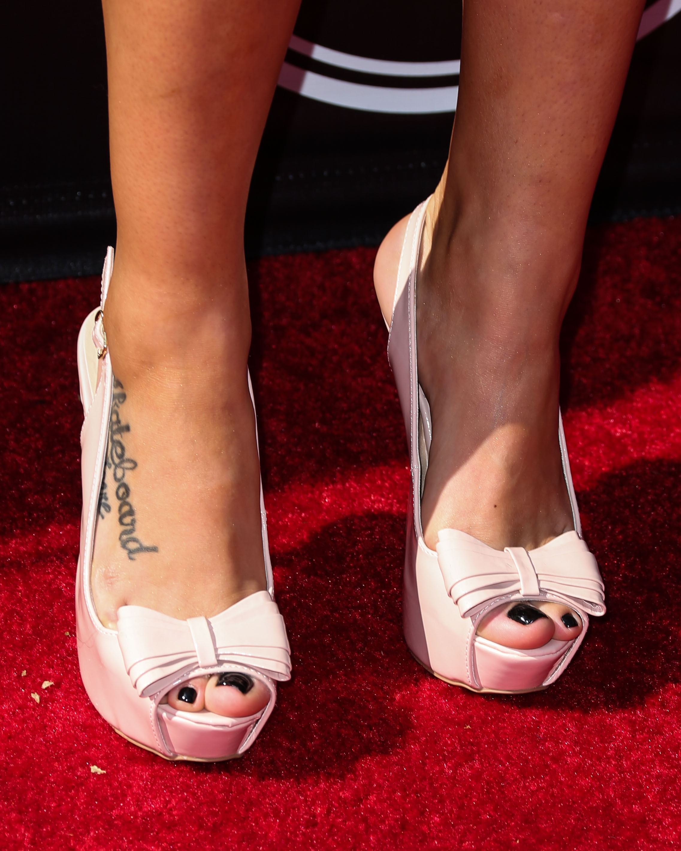 Feet Leticia Bufoni