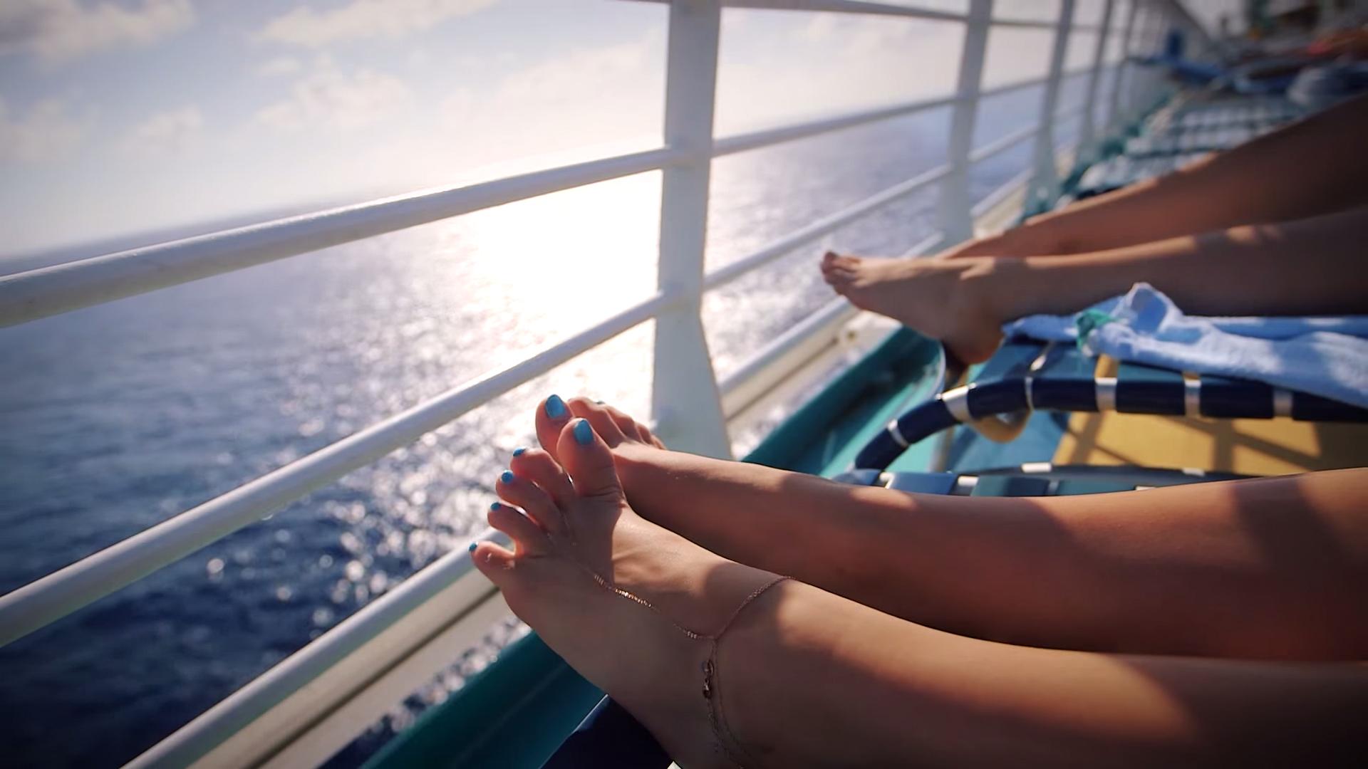 johnson feet marie Lia