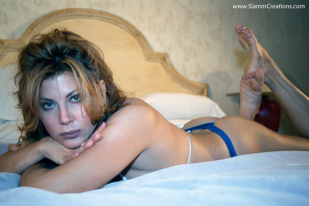 Lisa Comshaw Nude Photos 29