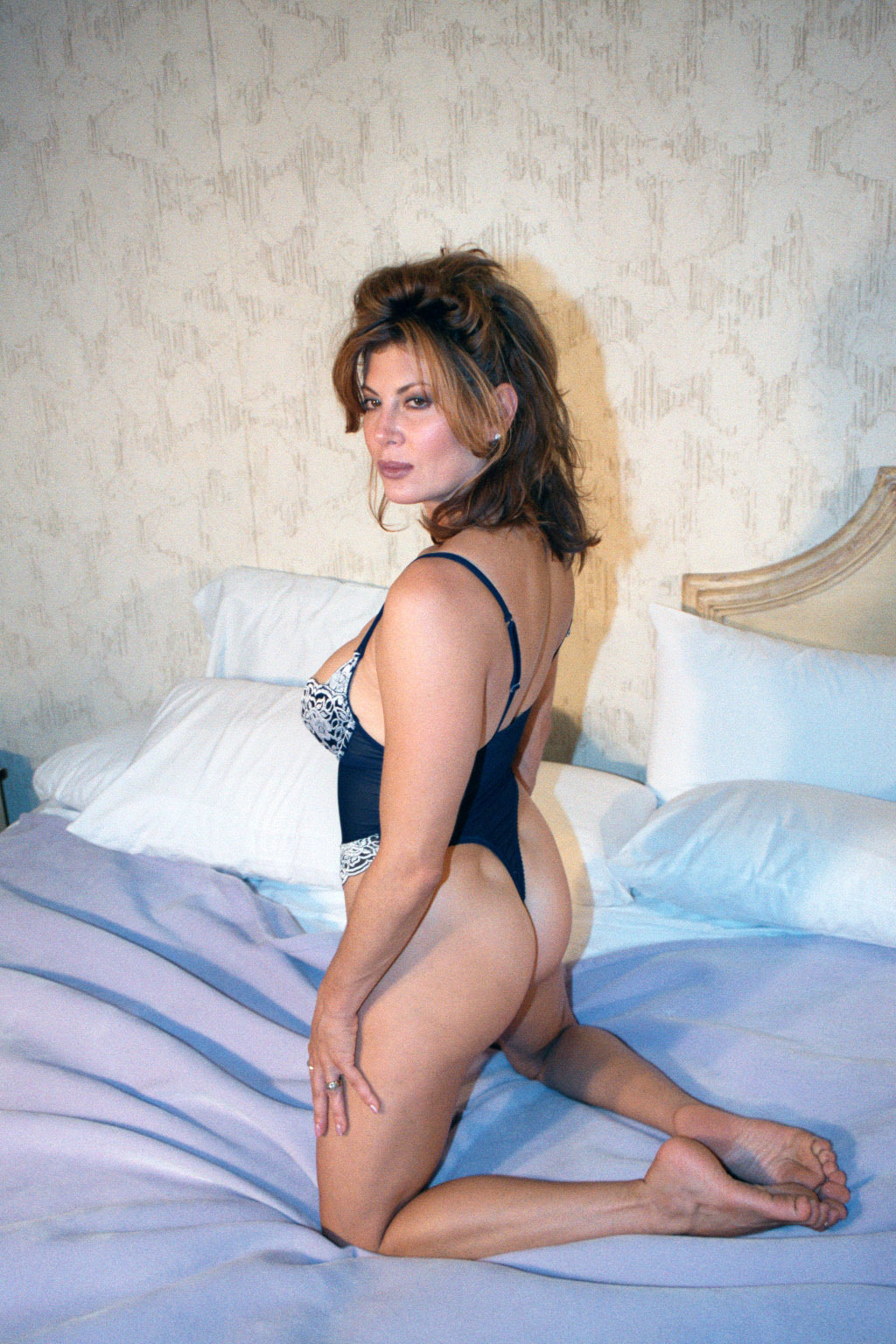 Lisa Comshaw Nude Photos 55