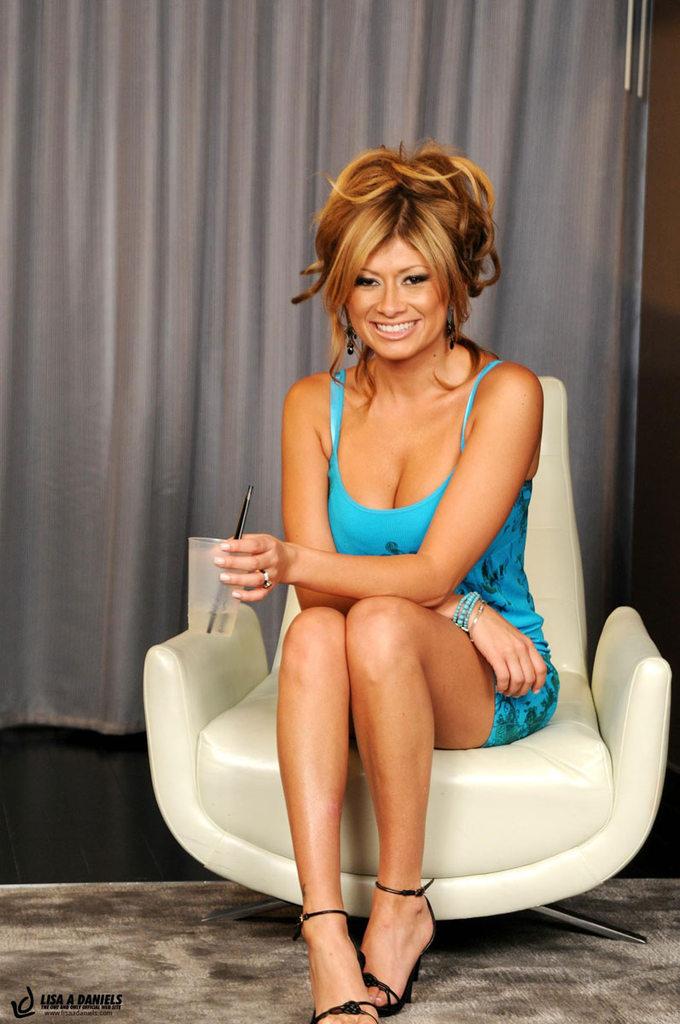 Lisa Daniels Nude Photos 34