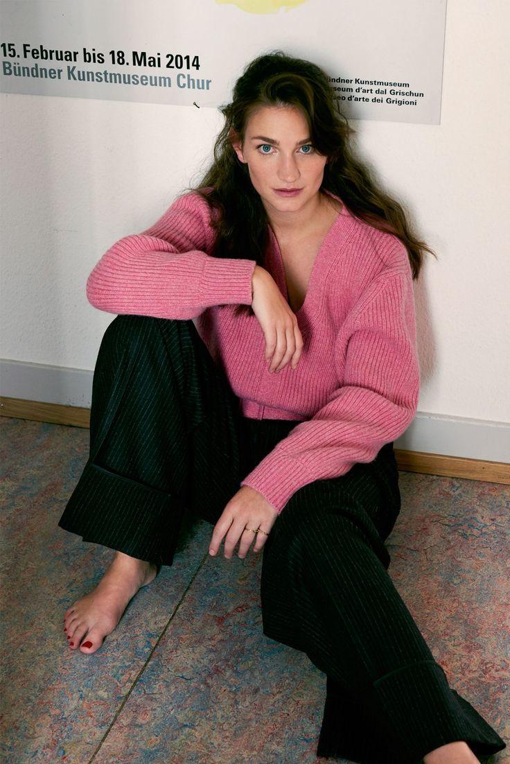Feet Laura Barriales nude (44 photos), Topless, Sideboobs, Selfie, bra 2006