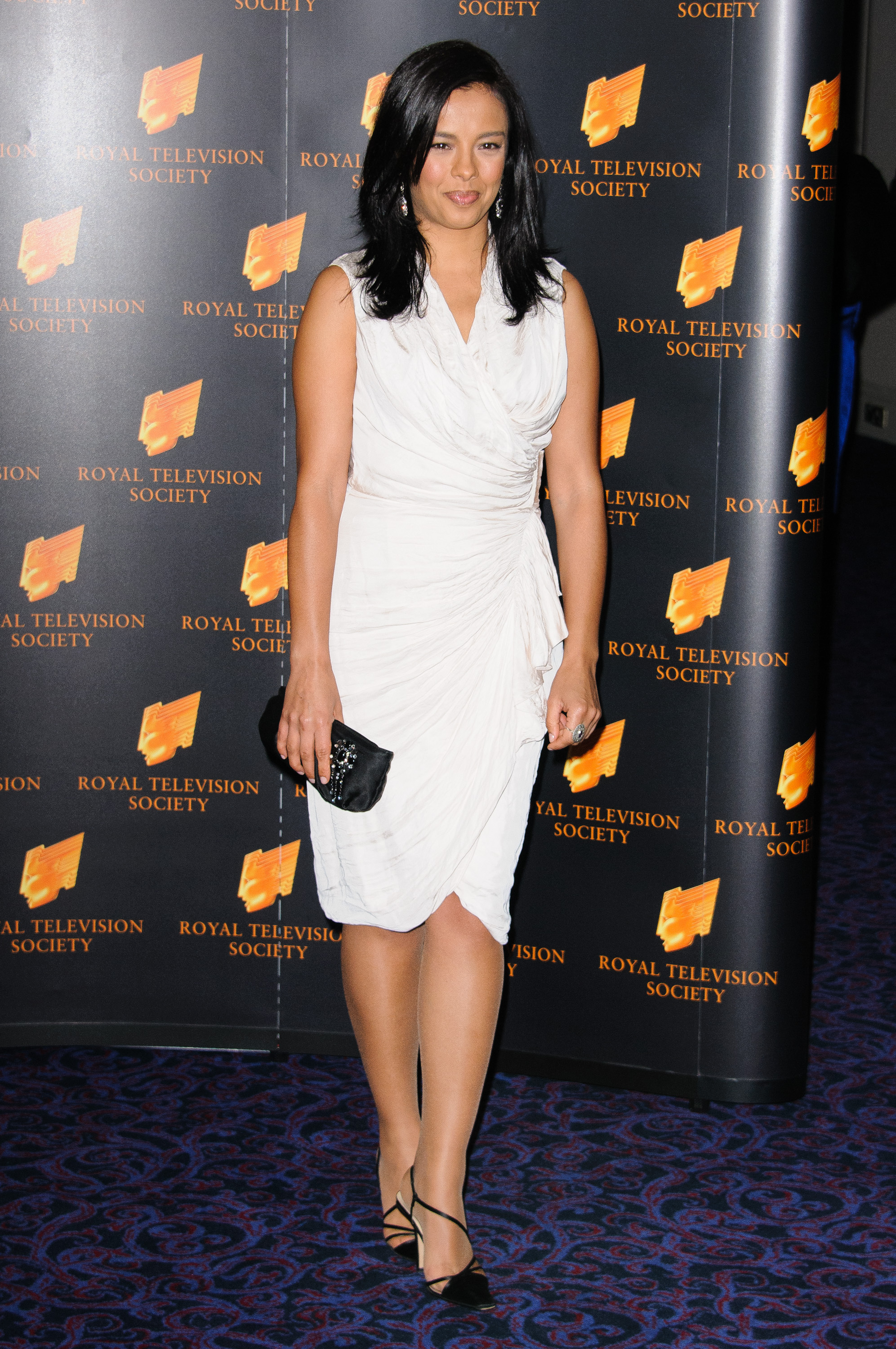 Liz Bonnin Nude Photos 32
