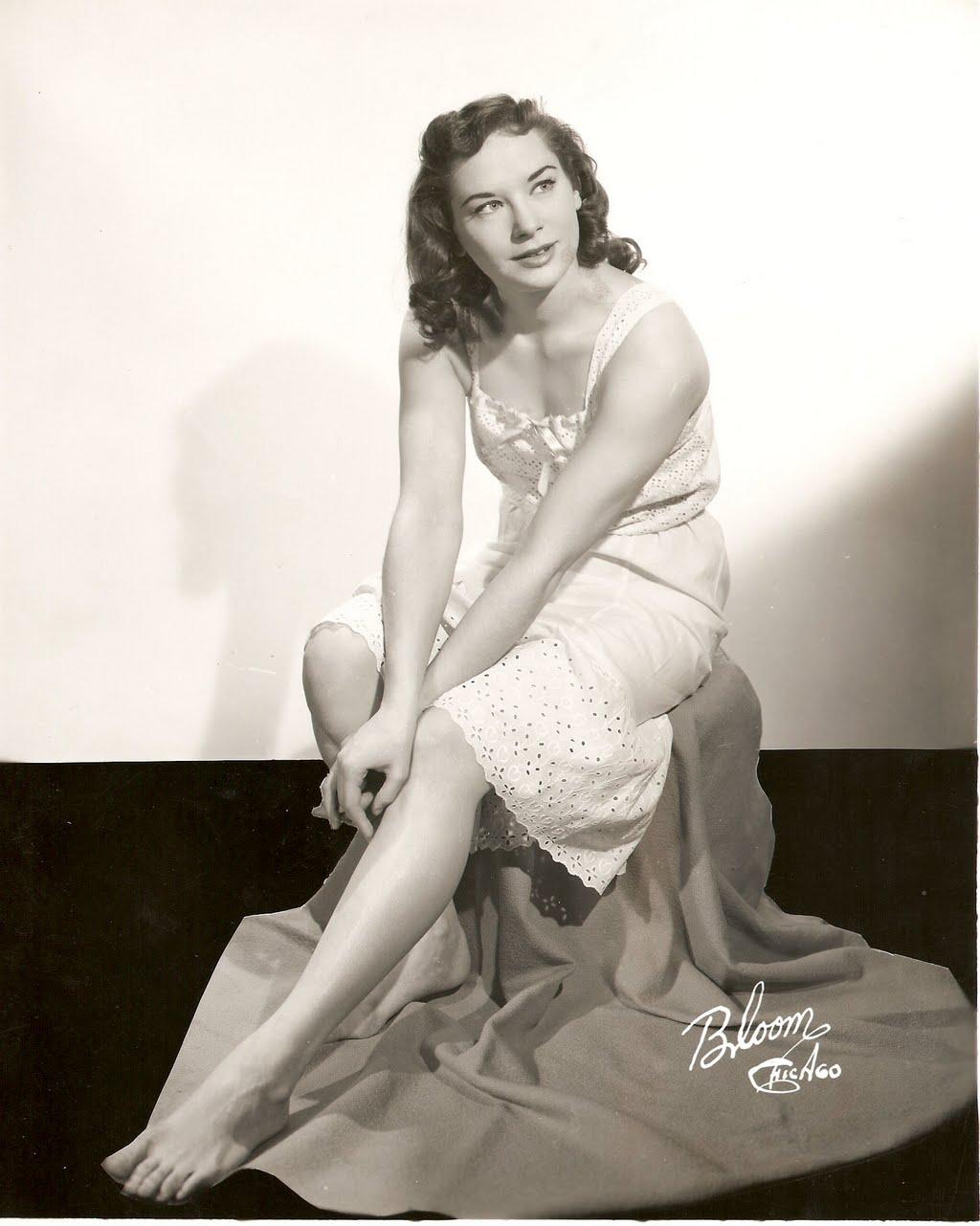 Lois Nettleton's Feet (837542)