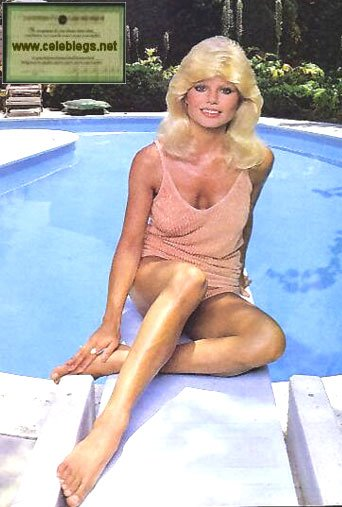 Loni anderson toes with