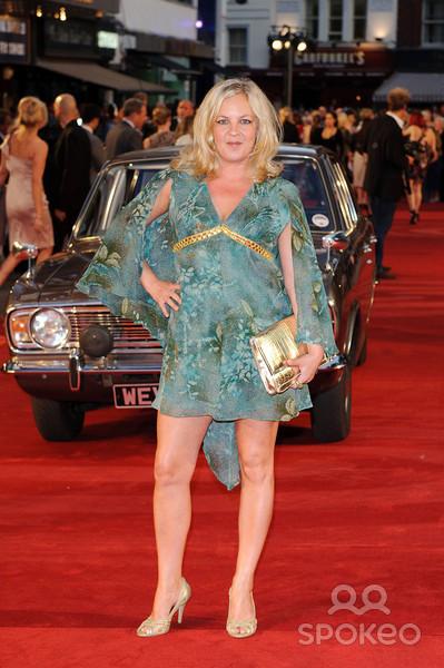 Lorraine Stanley's Feet << wikiFeet