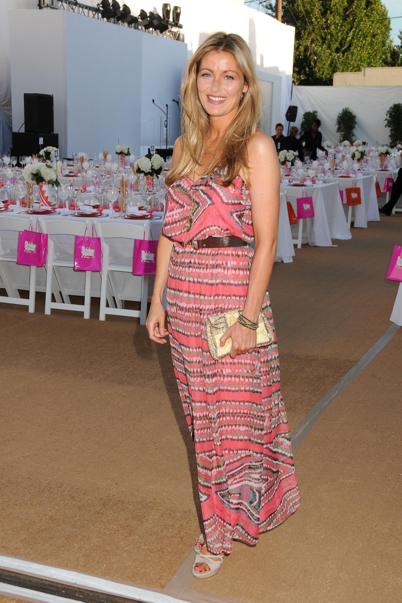 Louise Lombard wears  (Maxi Dress )