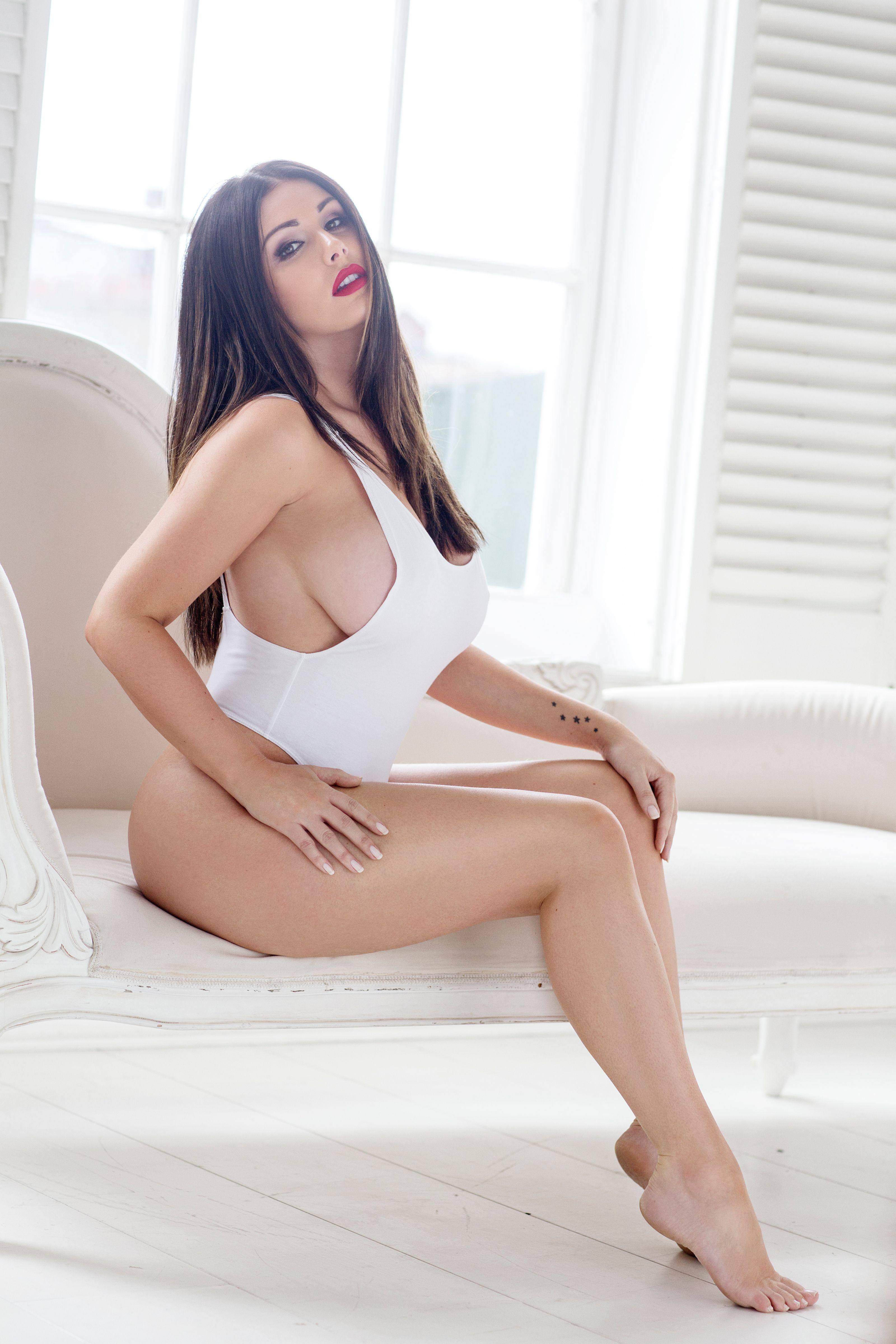 Lucy pinder nackt