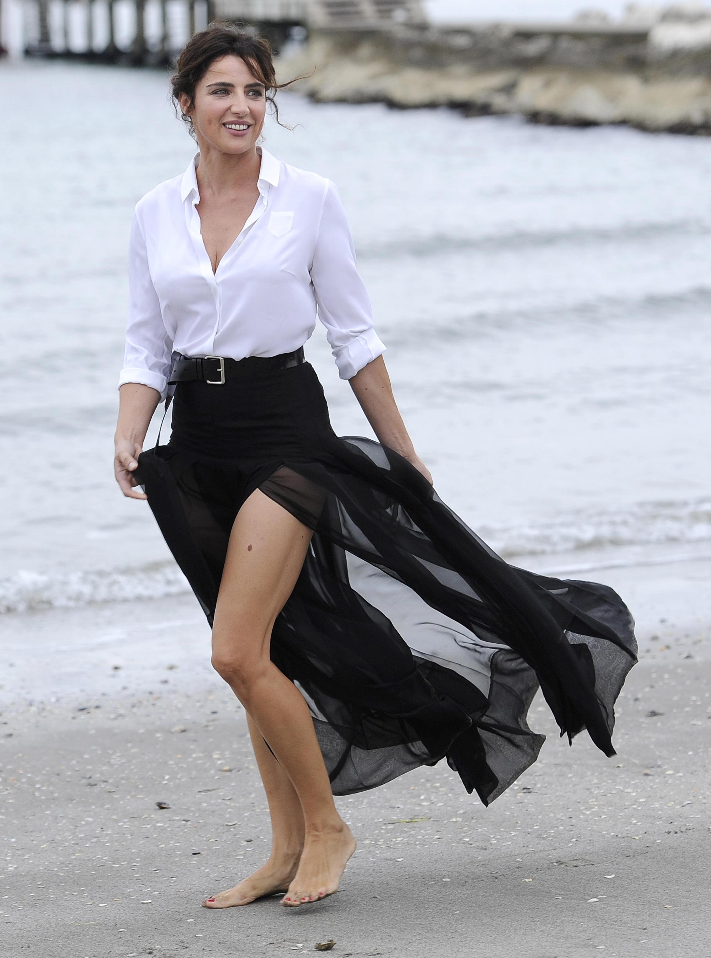 Luisa Ranieri nude (53 foto and video), Topless, Cleavage, Feet, butt 2006