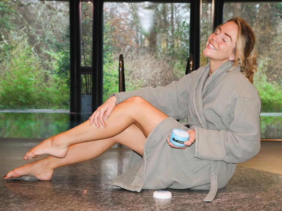 Feet Lydia Bright nude (22 photo), Tits, Bikini, Feet, cameltoe 2015
