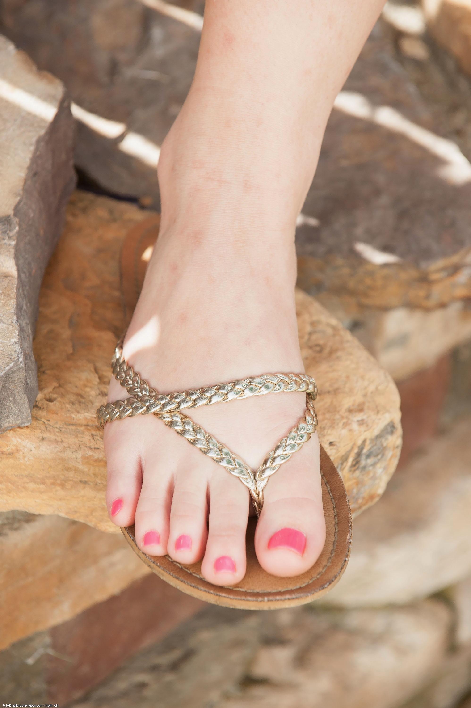 Madison chandler feet