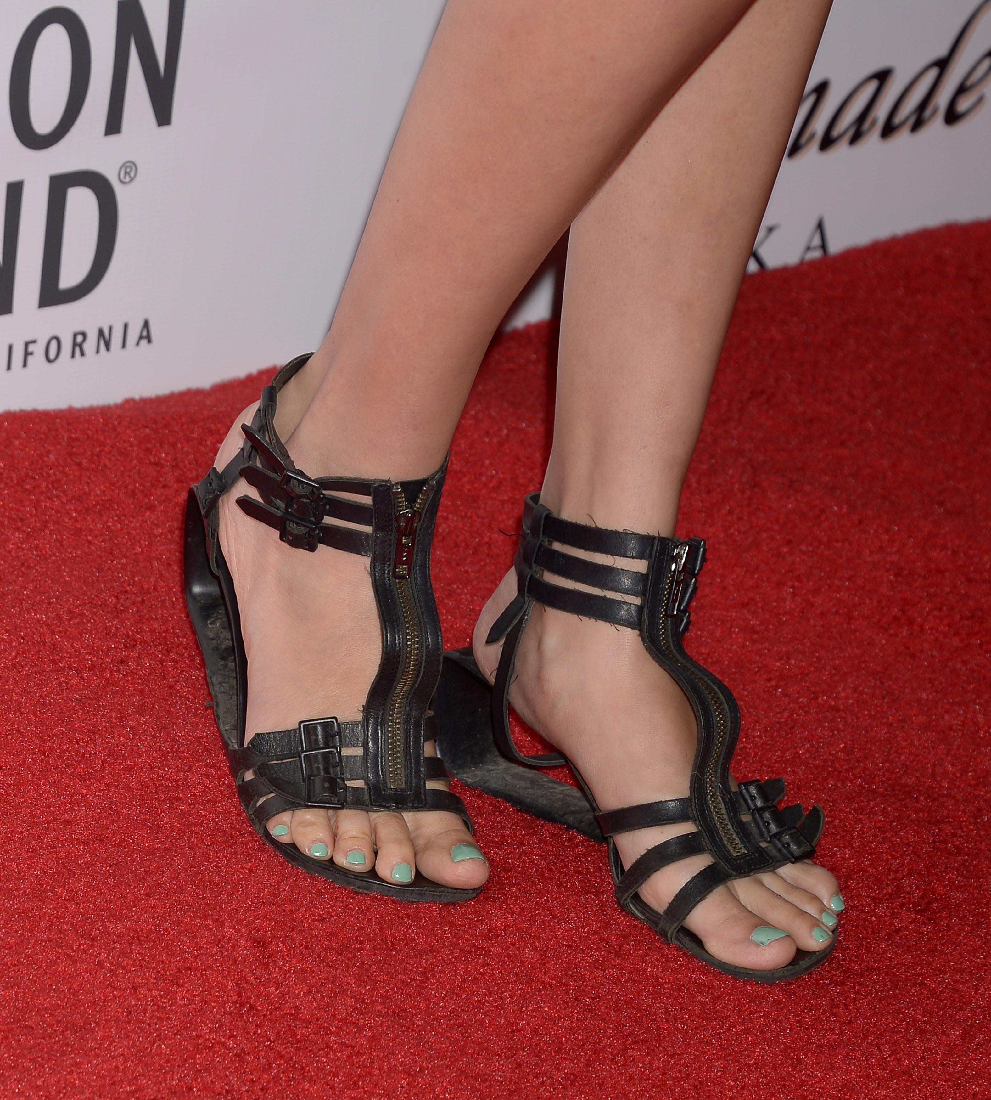 Maggie Graces Feet