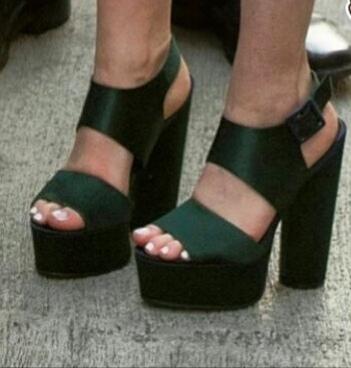 maisie williams feet