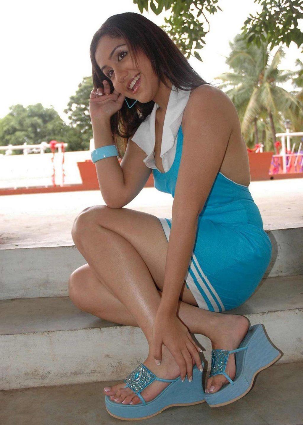 Maggie q sexy pics-9853