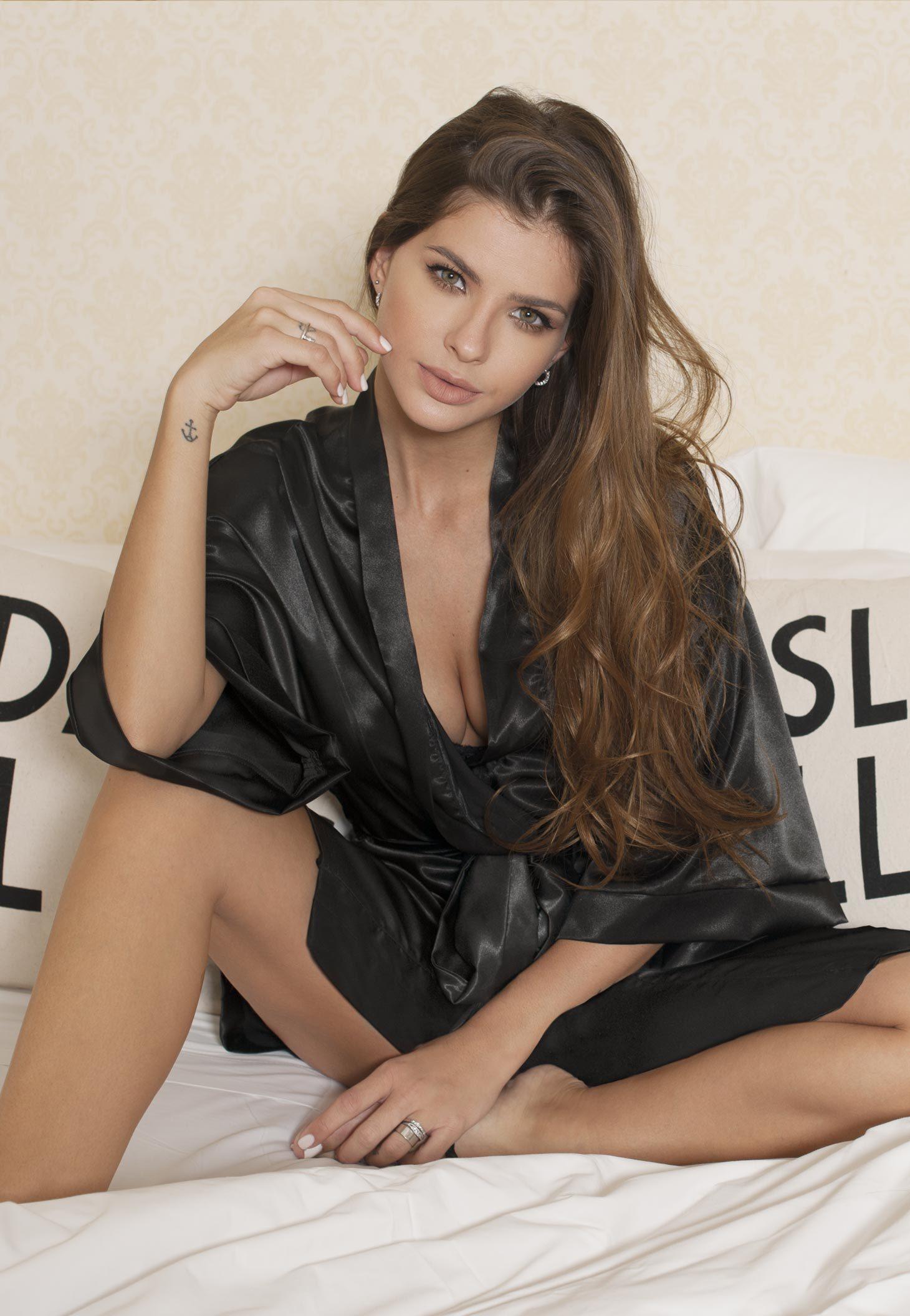 Eugenia Suarez Nude Photos 25