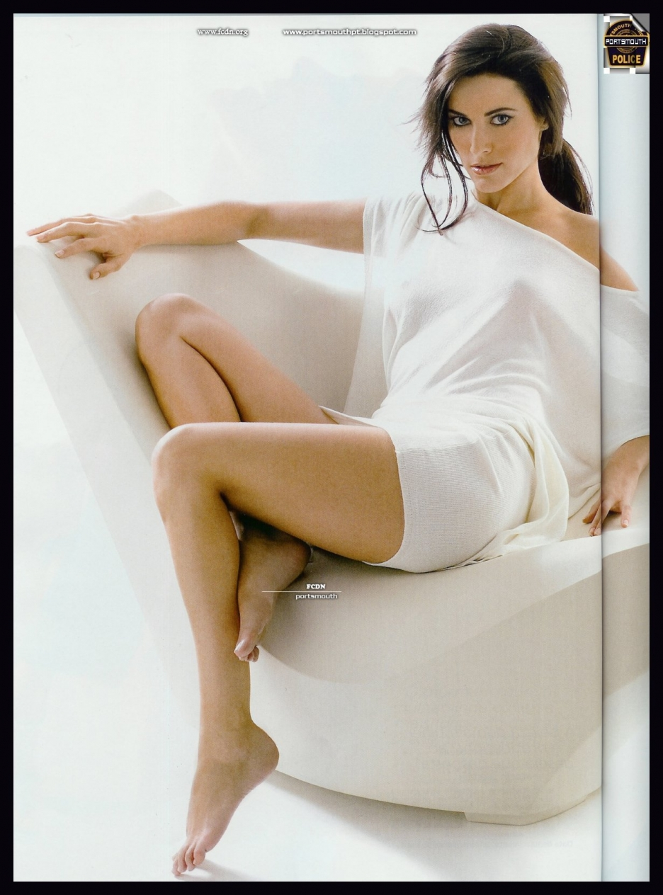 http://pics.wikifeet.com/Maria-Jo%C3%A3o-Bastos-Feet-524539.jpg