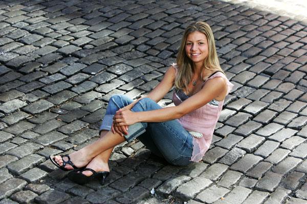 Maria Kirilenko - Page 34 Maria-Kirilenko-Feet-230907