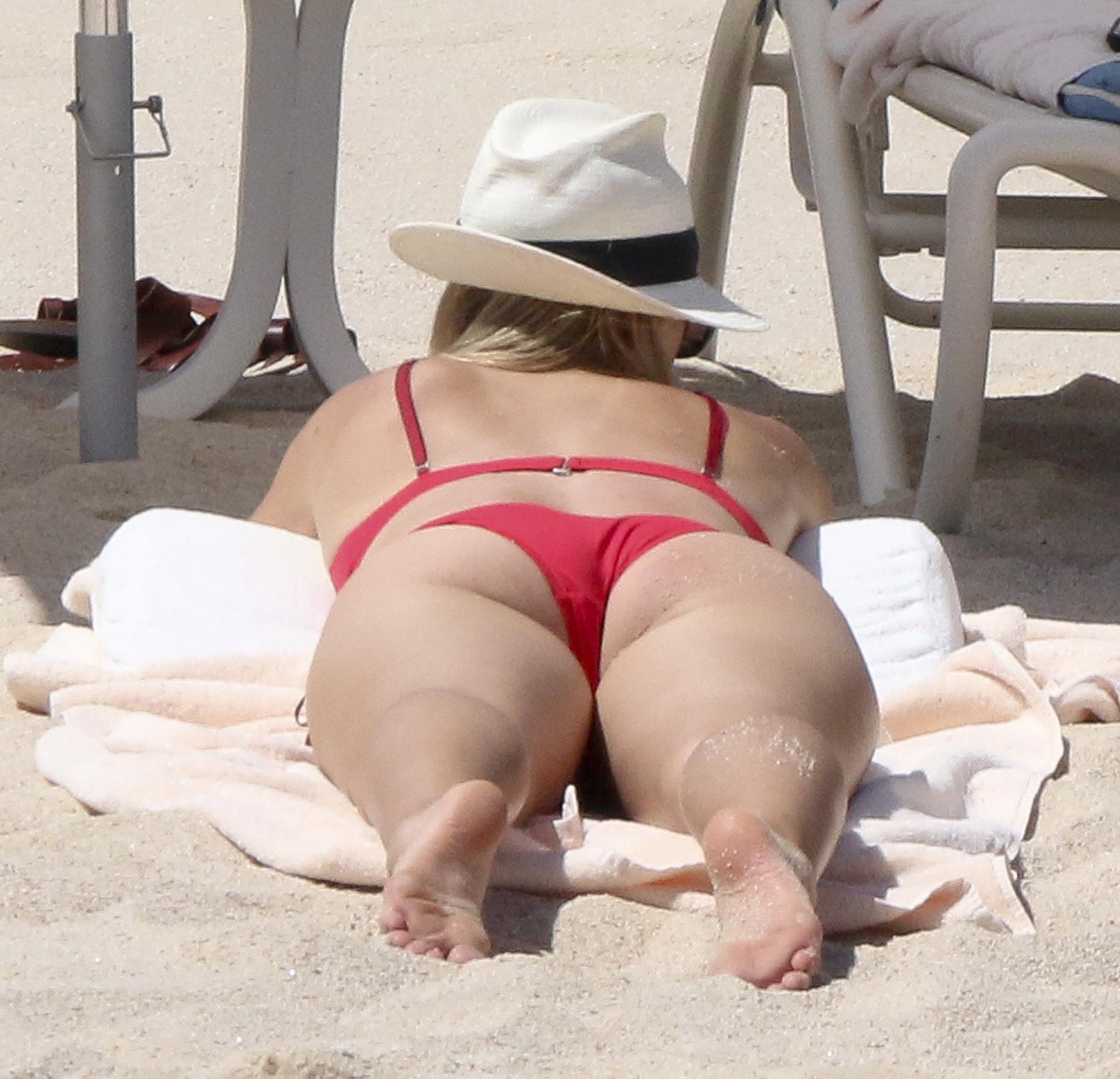 Opinion maria sharapova bikini