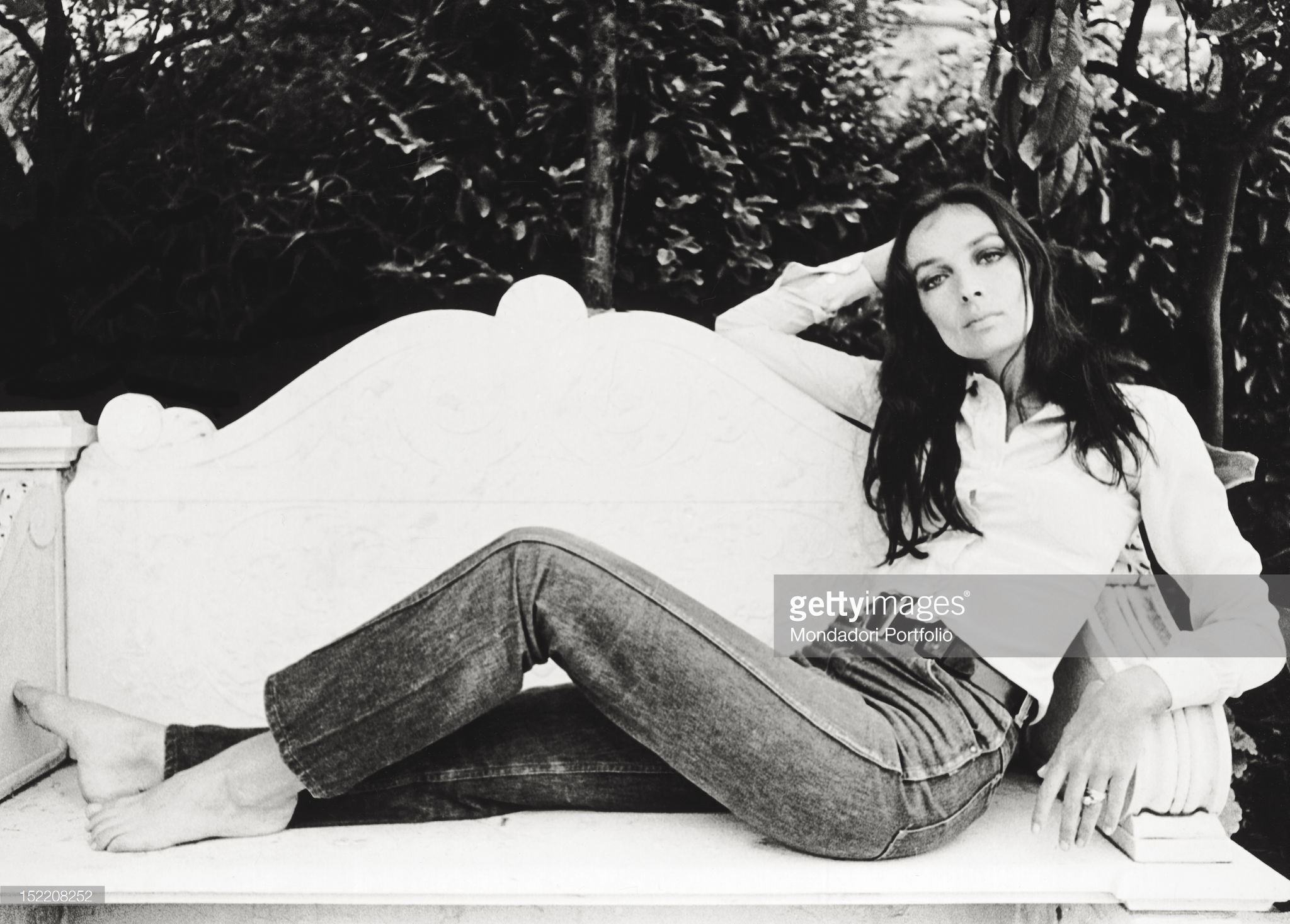 https://pics.wikifeet.com/Marie-Lafor%C3%AAt-Feet-2592617.jpg