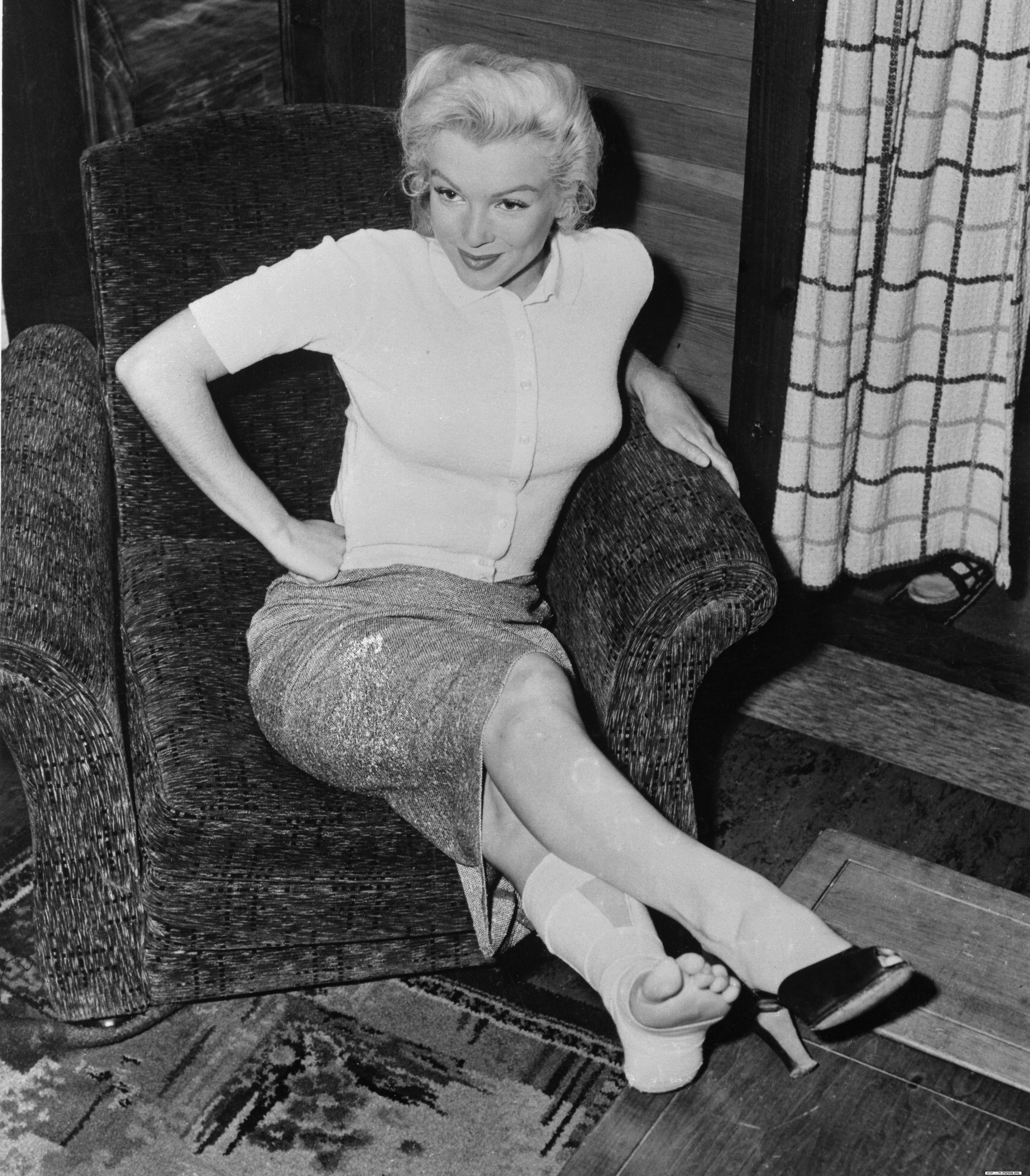 Feet Marilyn Monroe nudes (74 foto and video), Sexy, Paparazzi, Feet, cleavage 2006