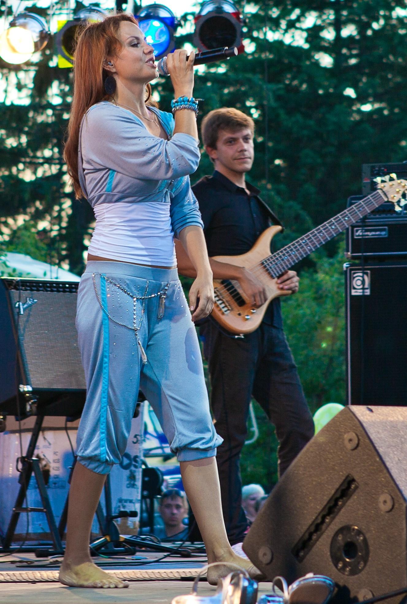 https://pics.wikifeet.com/Marina-Maksimova-Feet-2343124.jpg