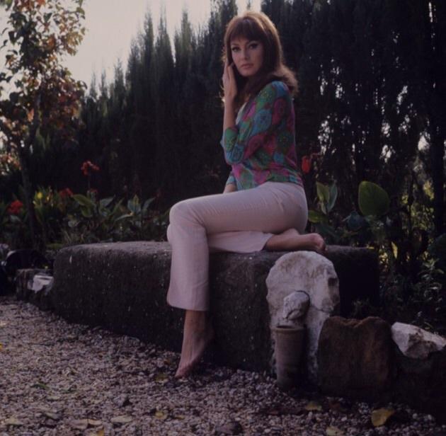 https://pics.wikifeet.com/Marisa-Mell-Feet-1918228.jpg