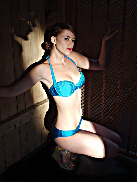 Super hot bikini girl jerking