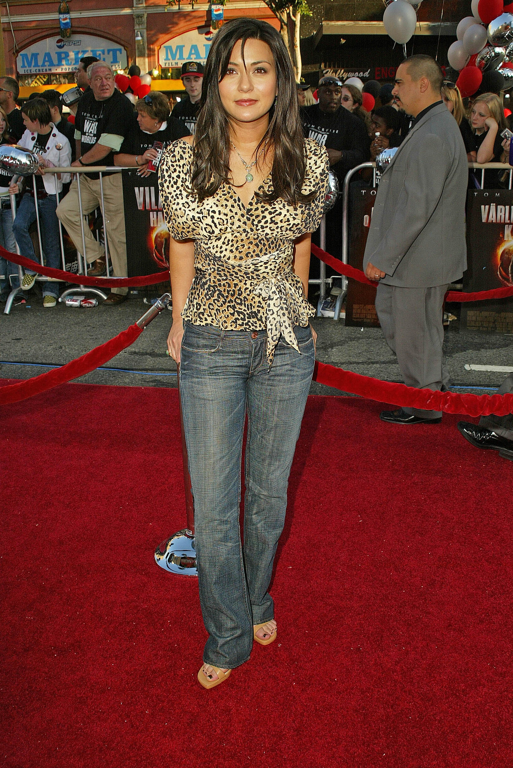Teri Hatcher, Inverted Triangle Body And Inverted Triangle
