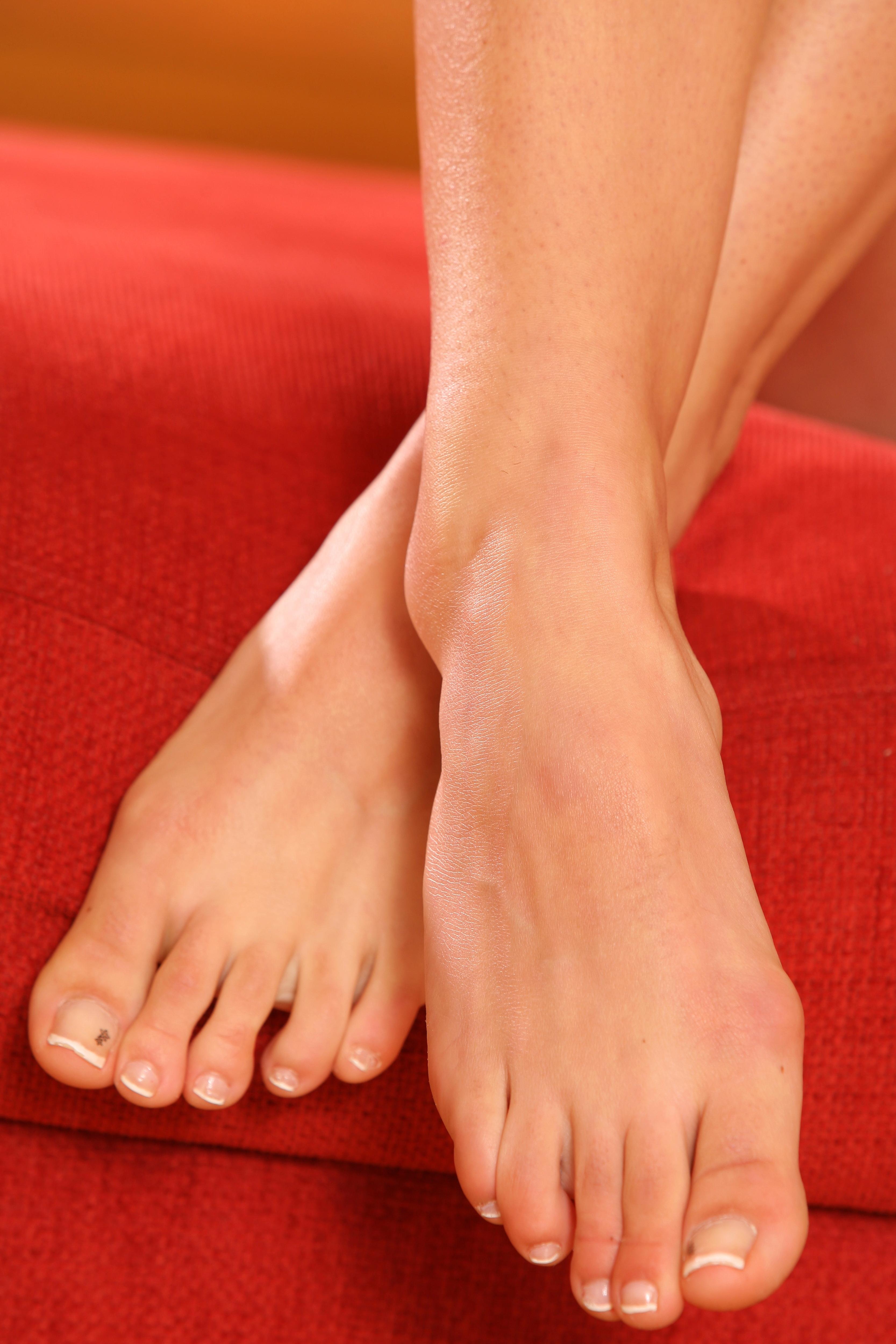 Marketa Stroblova S Feet
