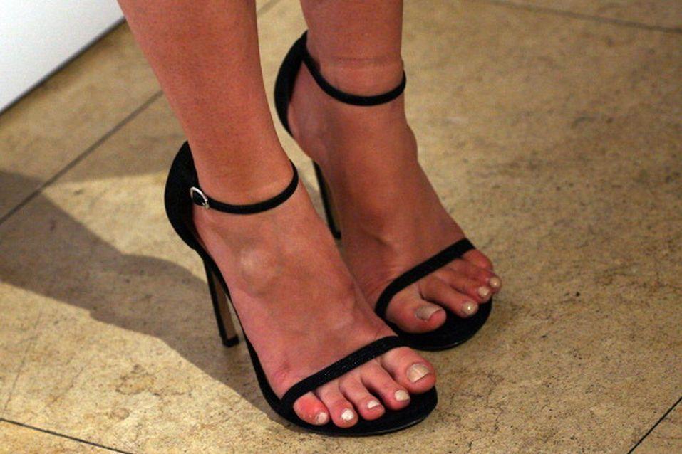 Mary Elizabeth Winstead Feet Toes