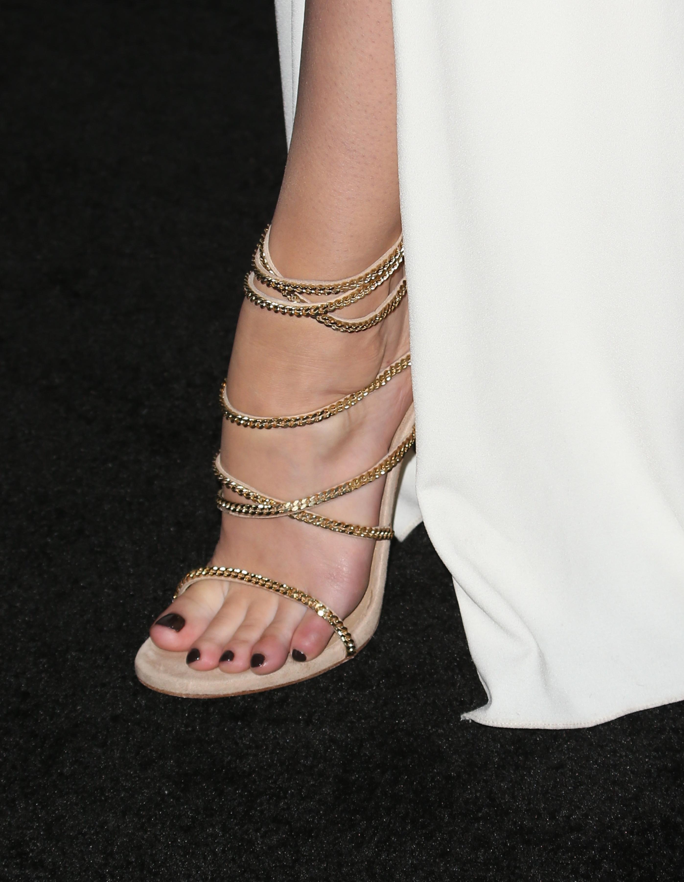 Mary Elizabeth Winstead's Feet << wikiFeet