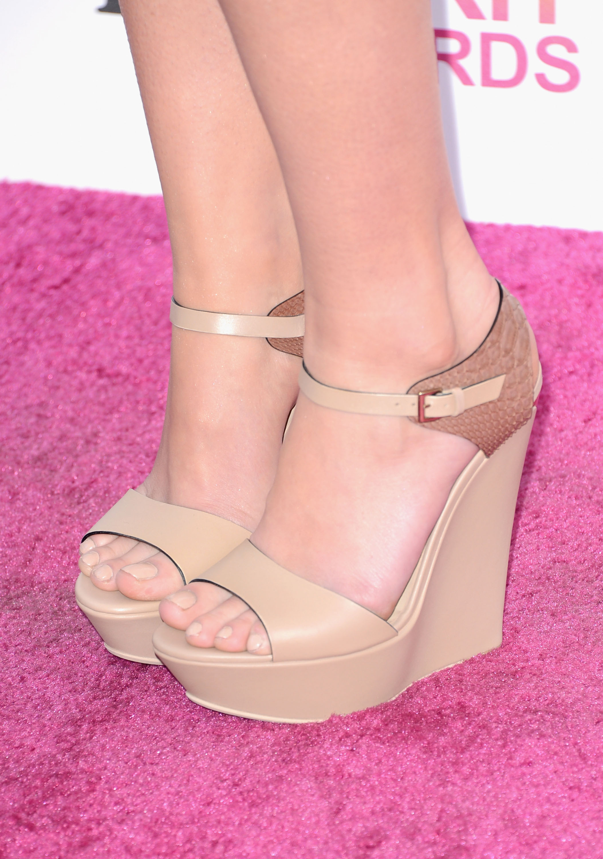 mary elizabeth winstead heels