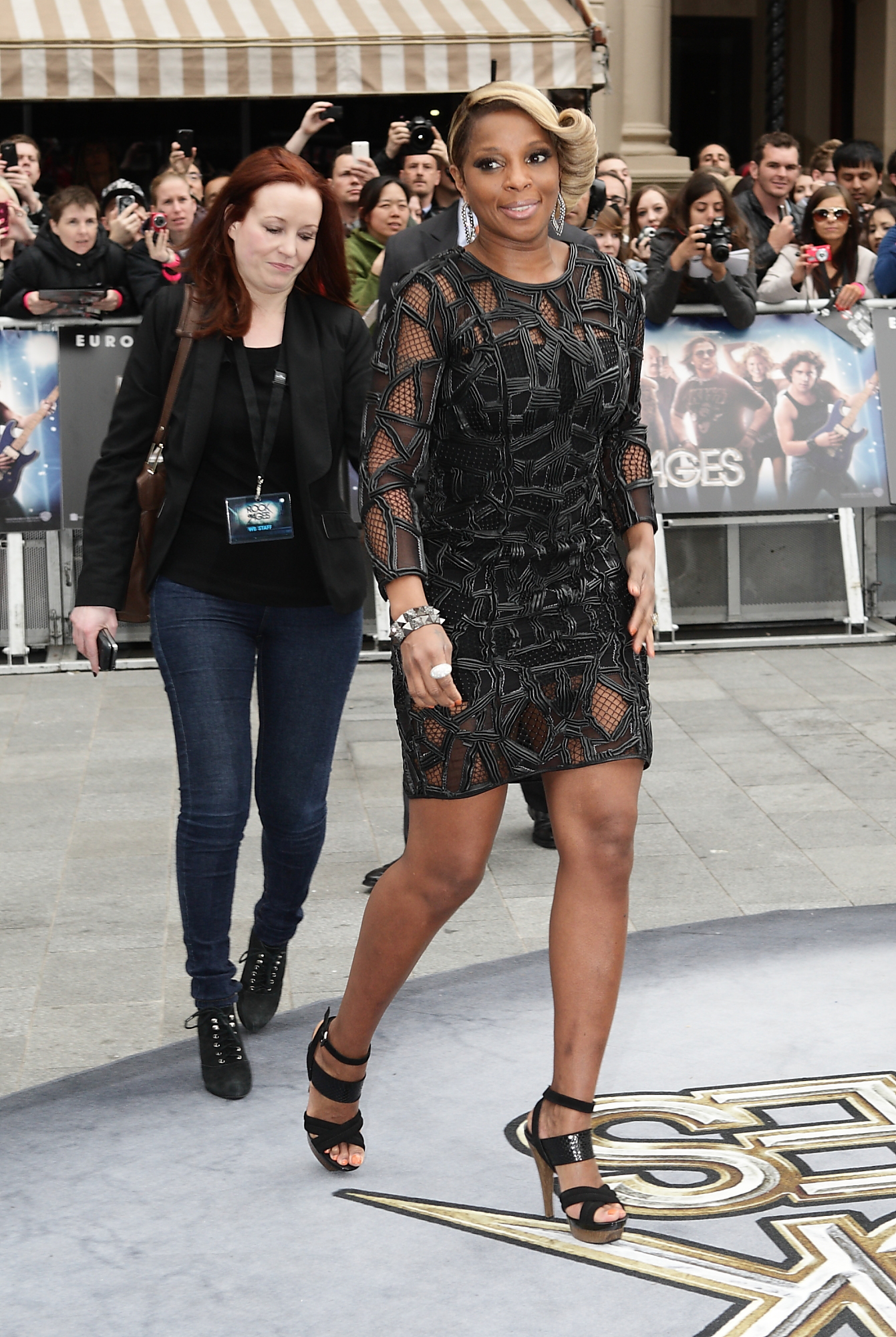 Mary J Blige in Dennis Basso | Celebrity Style | Pinterest ...