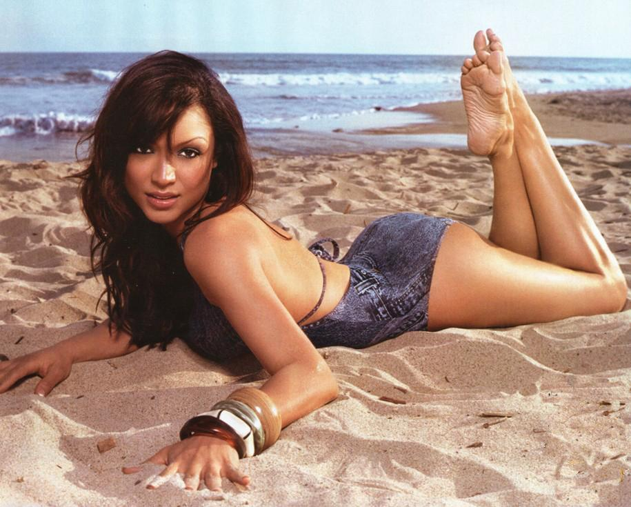 Mayte Garcia's Feet Freida Pinto Height And Weight