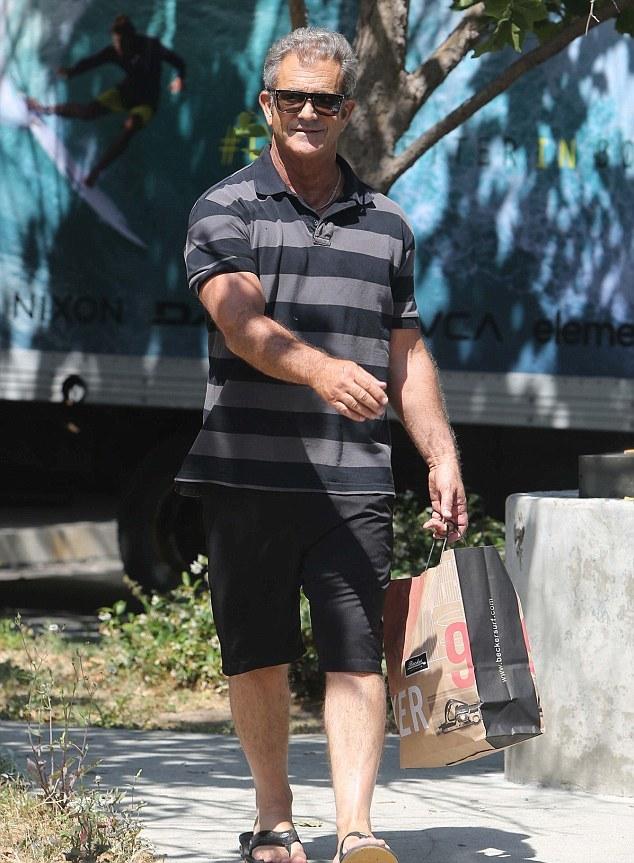 d04b37ab8100 Mel Gibson s Feet    wikiFeet Men